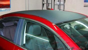 Оклейка крыши авто пленкой карбон Киев